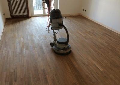 finitura-pavimenti-in-legno-a-villa-carcina